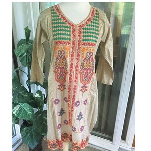 Dresses & Skirts - New without tag boho embroidered coverup large